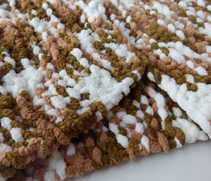 Cuello de lana gustoso marrones