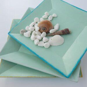 Platos de cerámica azul