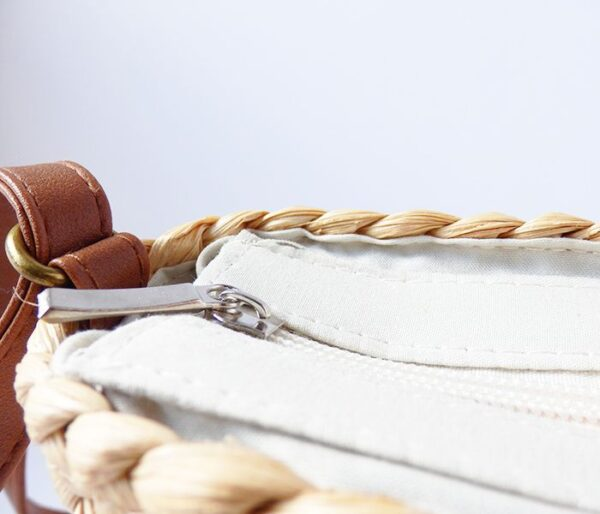 Bolso cuadrado de paja con lazo