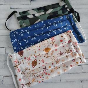 Mascarillas de tela con tres diseños diferentes